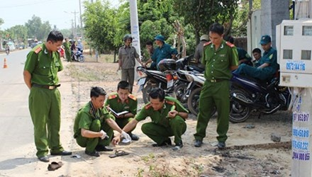 Giet nguoi cuop iPhone ban lay tien nhau hinh anh