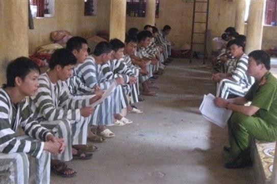 Cuoc song o trai giam cua bi can giet 6 nguoi o Binh Phuoc hinh anh