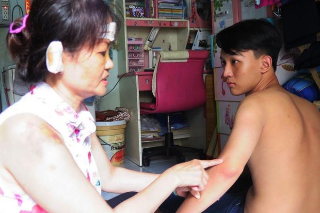 Thuyet phuc nam sinh go tam thu cau cuu Bo truong Cong an hinh anh