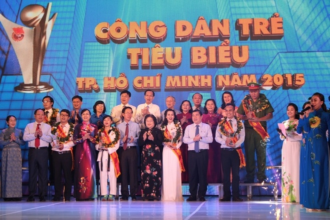 6 cong dan tieu bieu TP HCM nam 2015 duoc vinh danh hinh anh 1
