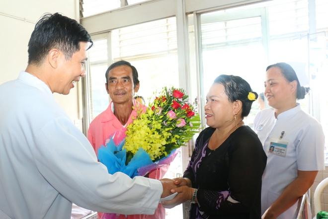 'Nguoi tu the ky' Huynh Van Nen duoc xuat vien hinh anh