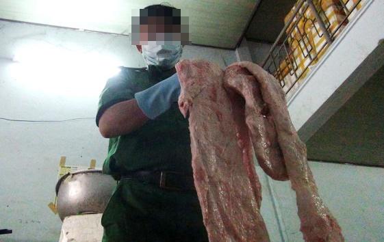 Bat hang tram kg thit ban ban cho cac bep an tap the hinh anh 1