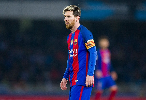 Cha Messi gap giam doc bong da PSG hinh anh 1