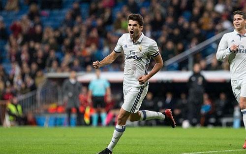 Con trai ghi ban, Zidane thiet lap ky luc moi cho Real hinh anh 2
