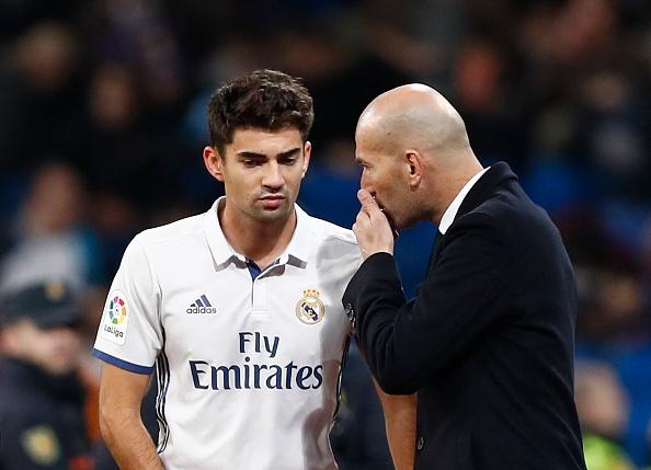 Con trai ghi ban, Zidane thiet lap ky luc moi cho Real hinh anh 1