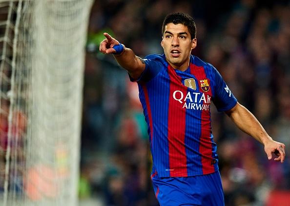 Luis Suarez chinh thuc ky hop dong voi Barca hinh anh