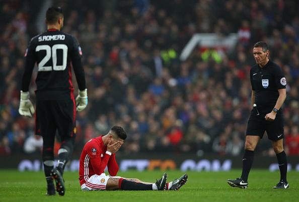 Man Utd tra gia dat o tran thang Reading hinh anh