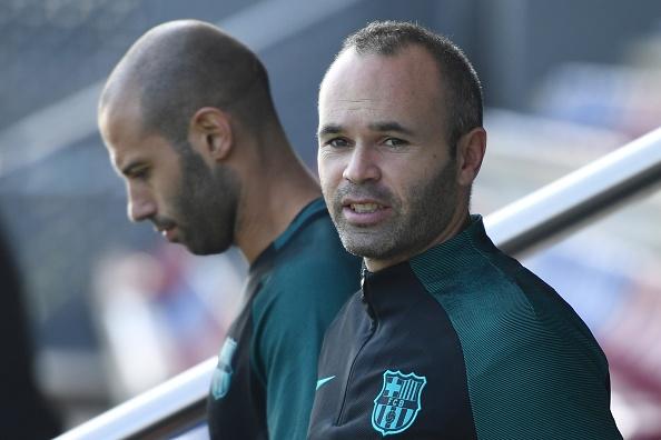 Doi truong Barca xin loi vi khong tham du le trao giai FIFA hinh anh 1