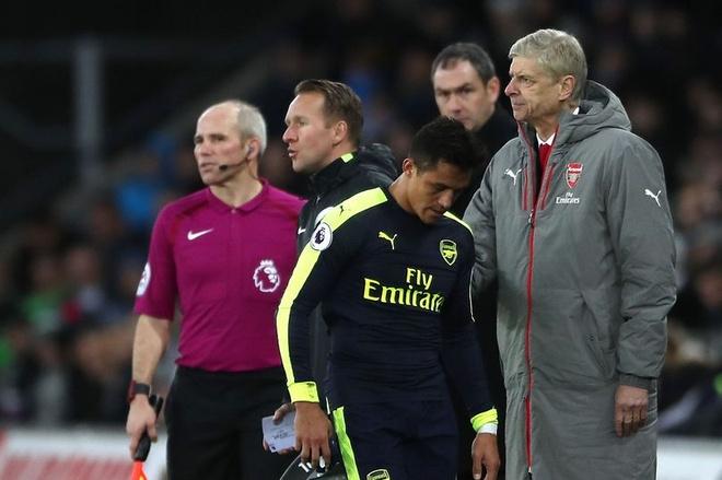 HLV Wenger khang dinh Sanchez khong ham tien nhu Costa hinh anh