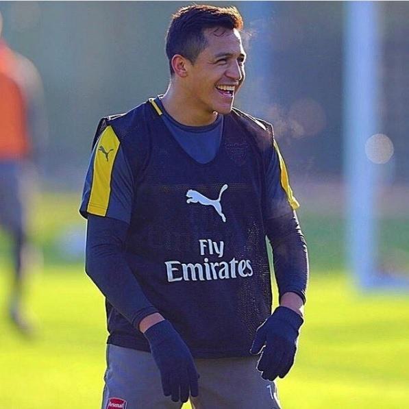 Sanchez phat thong diep muon roi Arsenal anh 1