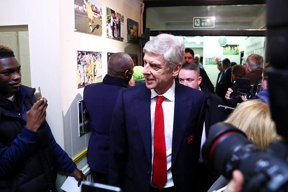 O lai Arsenal, HLV Wenger nhan luong cao thu 3 NH Anh hinh anh