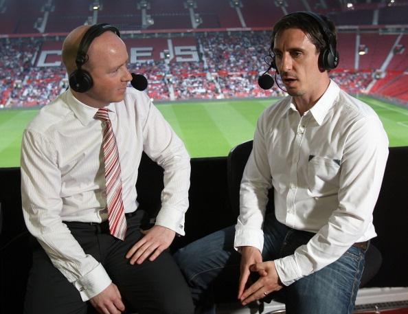 Gary Neville ung ho Mourinho day ai Luke Shaw hinh anh 1