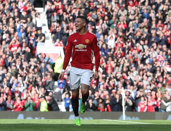 Dap vao bung Hazard, Rojo van thoat an phat cua FA hinh anh