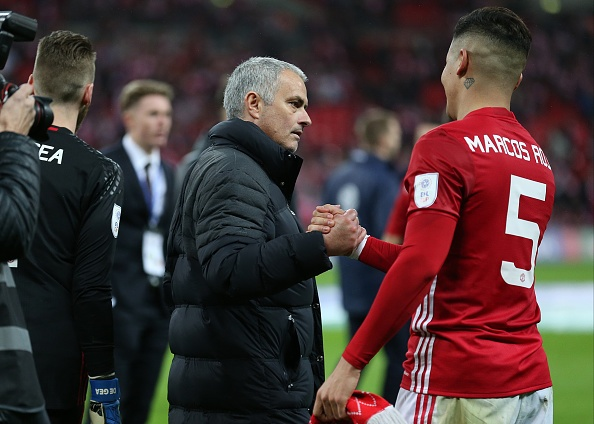 Marcos Rojo tiep tuc nhan qua tu HLV Mourinho hinh anh 1