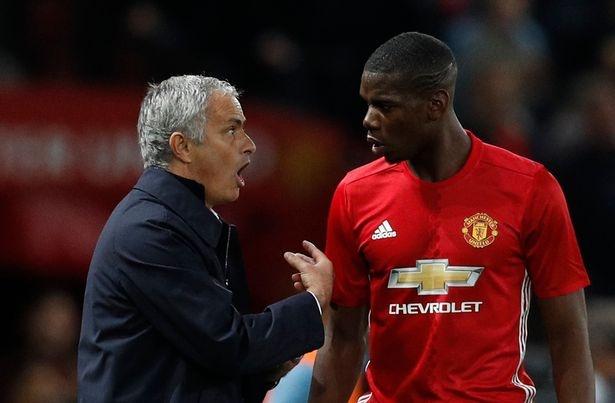Mourinho doa loai Pogba vi chuyen ngoai san co hinh anh