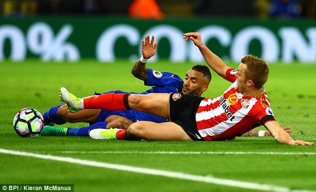 Vardy tiep tuc ghi ban,  Leicester chon vui hy vong cua Sunderland anh 13