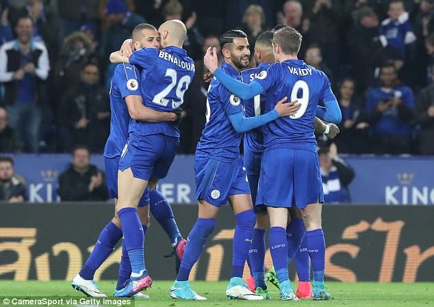Vardy tiep tuc ghi ban,  Leicester chon vui hy vong cua Sunderland anh 4