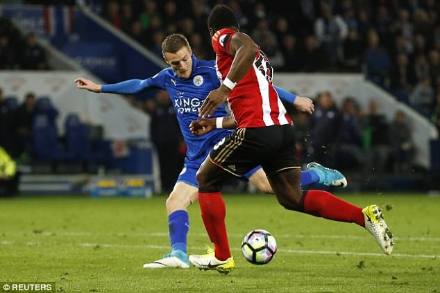 Vardy tiep tuc ghi ban,  Leicester chon vui hy vong cua Sunderland anh 6