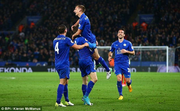 Vardy tiep tuc ghi ban,  Leicester chon vui hy vong cua Sunderland anh 8