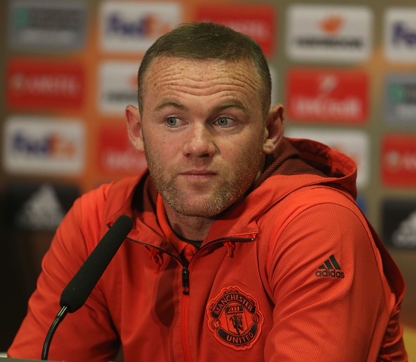 Rooney chot tuong lai truoc tran chien voi Celta Vigo hinh anh