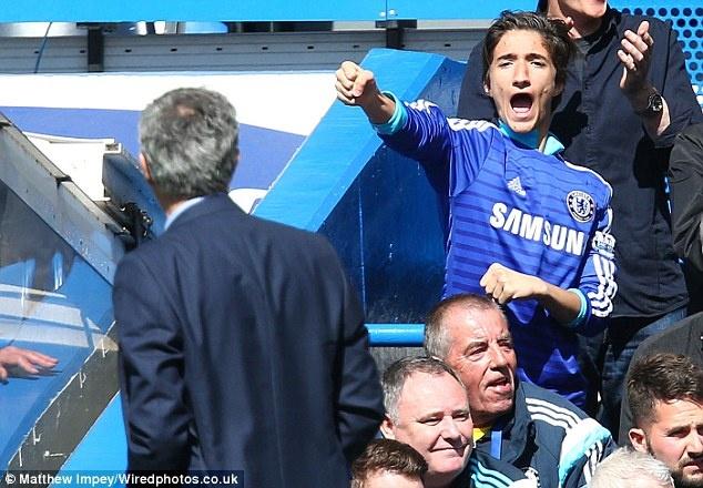 Mourinho om con trai an mung sau tran hoa Celta Vigo hinh anh 6