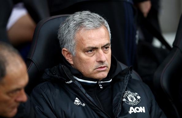 HLV Mourinho lai 'noi dien' voi BTC Premier League hinh anh 1