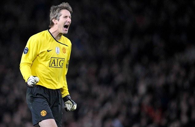Giam doc cua Ajax ung ho Romero bat tran chung ket Europa League hinh anh 1