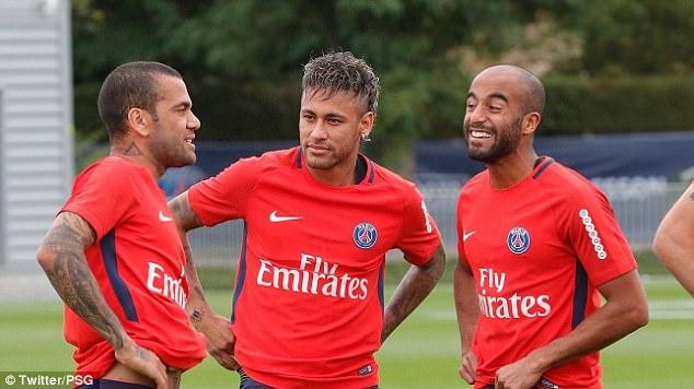 Neymar rang ro trong buoi tap dau tien cung PSG hinh anh 4