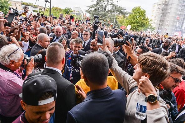 Neymar rang ro trong buoi tap dau tien cung PSG hinh anh 6
