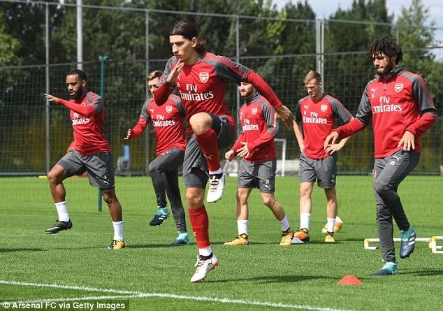 Arsenal tich cuc luyen tap chuan bi cho tran khai man Premier League hinh anh