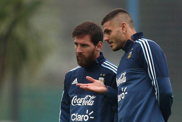 Hut bong, thu mon cua MU 'vo' thang mat Messi hinh anh 10