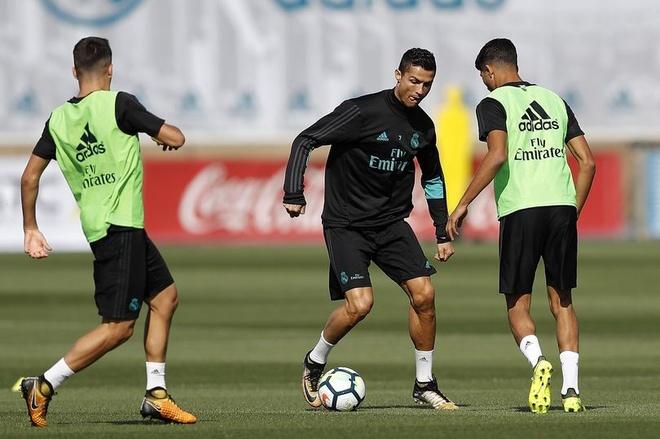 Ronaldo hung khoi cho tran dau tro lai La Liga hinh anh 1