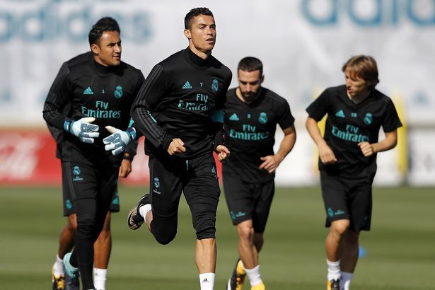 Ronaldo hung khoi cho tran dau tro lai La Liga hinh anh 3