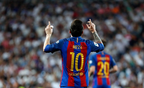Lap poker truoc Eibar, Messi tu pha ky luc cua chinh minh hinh anh 1