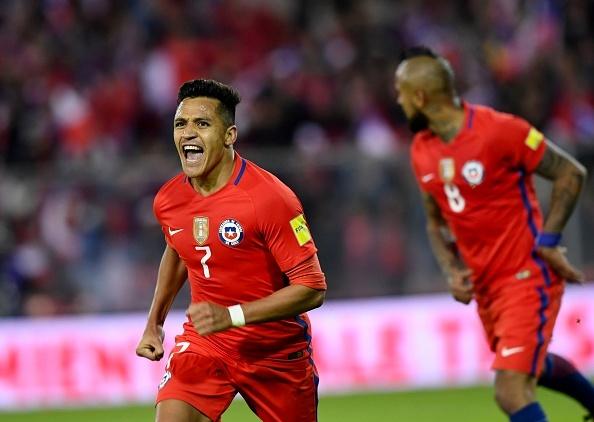 Sanchez toa sang giup Chile tien sat vong chung ket World Cup 2018 hinh anh