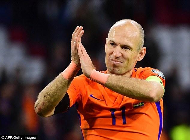 Robben gia tu su nghiep thi dau quoc te hinh anh 4