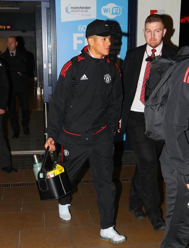 Danh bai Benfica, dan sao Man Utd vui ve tro ve ngay trong dem hinh anh 11