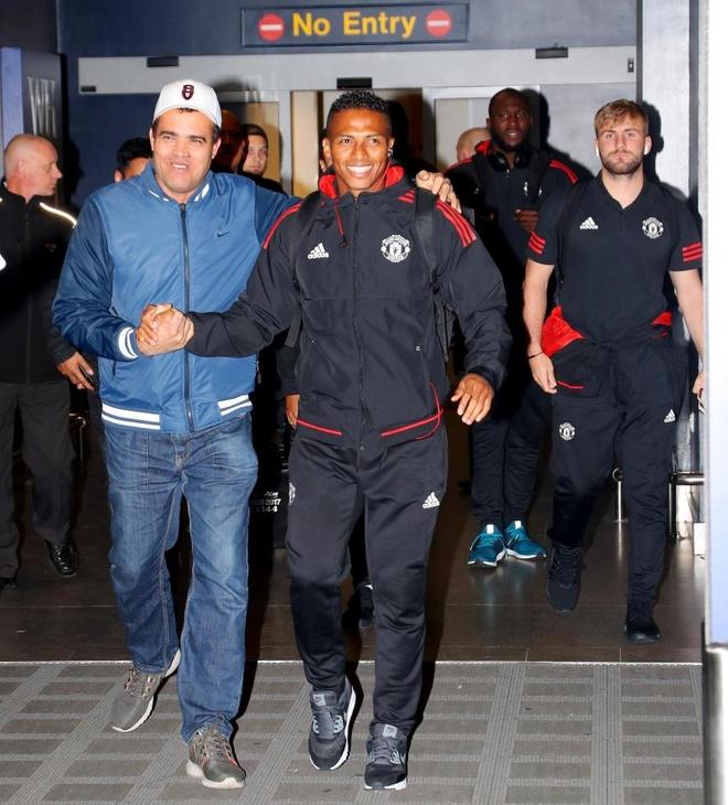 Danh bai Benfica, dan sao Man Utd vui ve tro ve ngay trong dem hinh anh