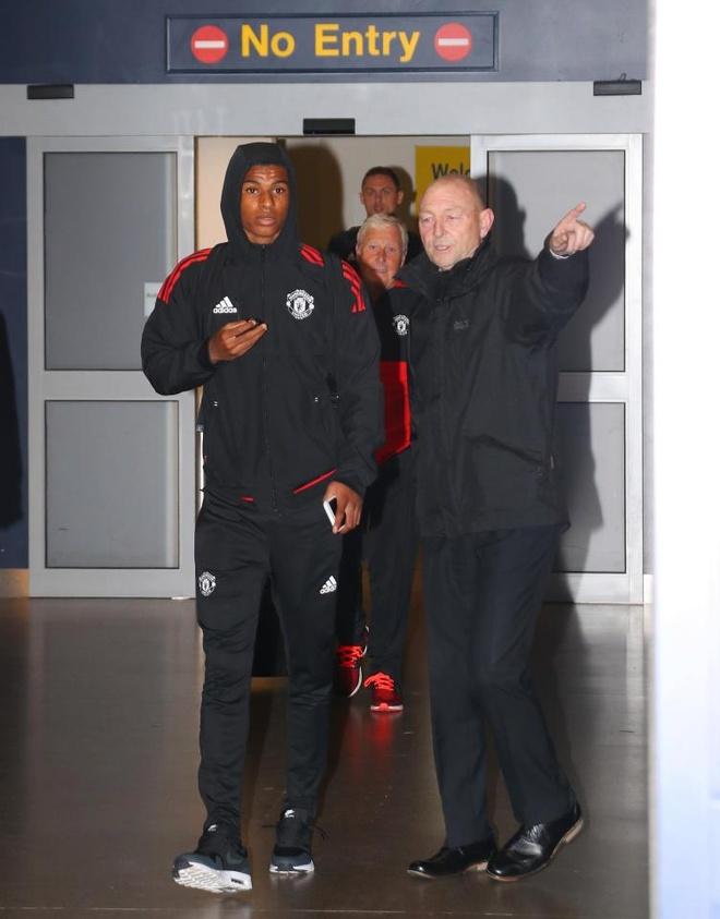 Danh bai Benfica, dan sao Man Utd vui ve tro ve ngay trong dem hinh anh 3