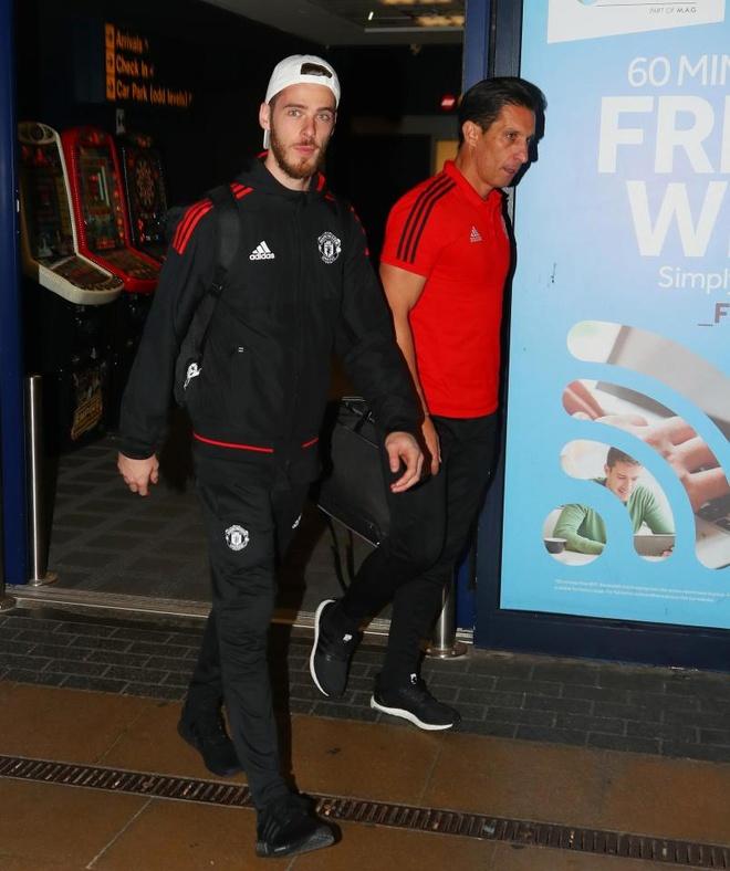 Danh bai Benfica, dan sao Man Utd vui ve tro ve ngay trong dem hinh anh 6