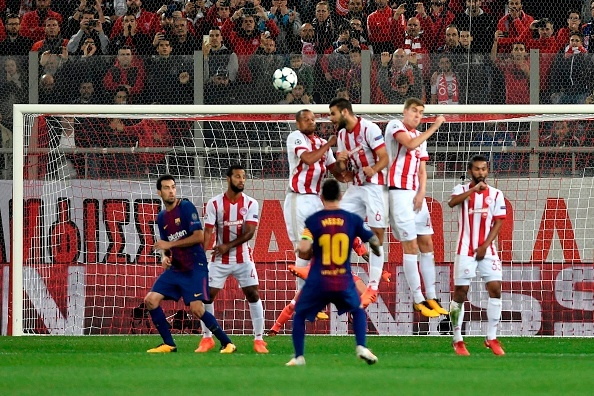 Messi im tieng, Barcelona chia diem voi Olympiacos hinh anh 4