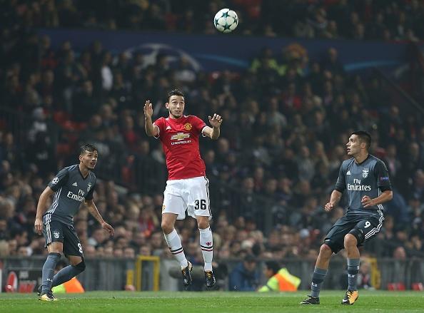 Cham diem MU 2-0 Benfica: Blind hay nhat tran hinh anh 2
