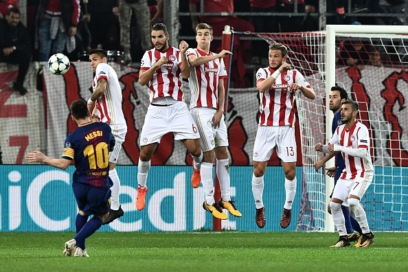 Messi im tieng, Barcelona chia diem voi Olympiacos hinh anh 7