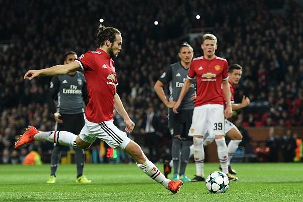 Cham diem MU 2-0 Benfica: Blind hay nhat tran hinh anh 5