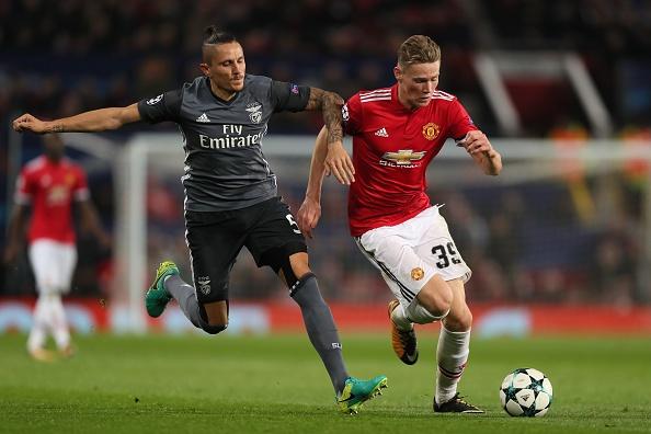 Cham diem MU 2-0 Benfica: Blind hay nhat tran hinh anh 7