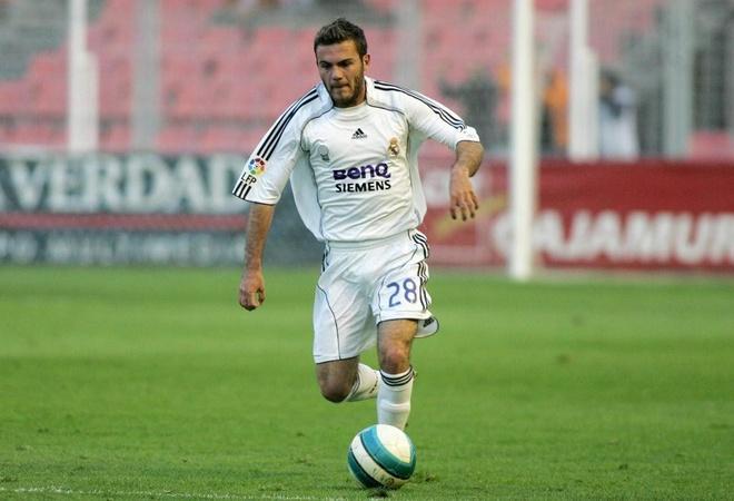Mata tren duong tro lai mai nha xua Real Madrid hinh anh 1