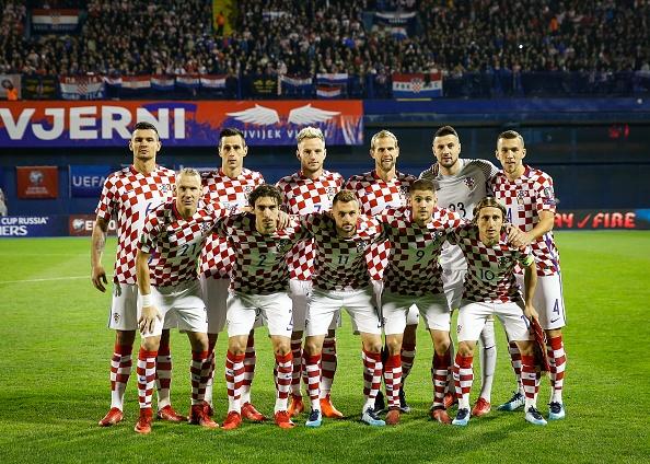 Luka Modric khai hoa, Croatia dat mot chan vao VCK World Cup 2018 hinh anh 1