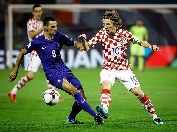 Luka Modric khai hoa, Croatia dat mot chan vao VCK World Cup 2018 hinh anh 3