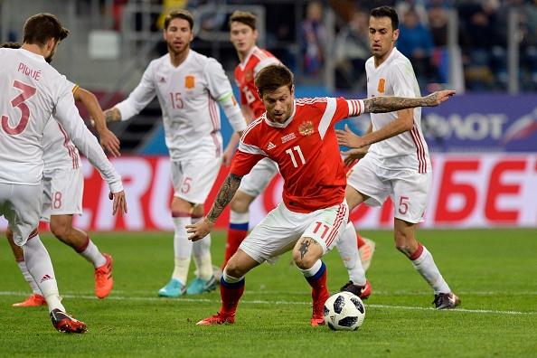 Huong 2 qua penalty, Tay Ban Nha van de Nga cam hoa 3-3 hinh anh 6