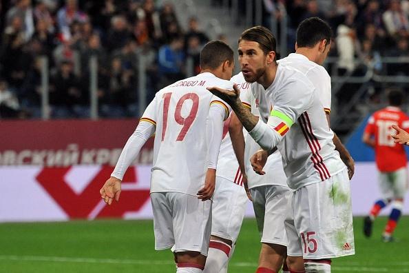 Huong 2 qua penalty, Tay Ban Nha van de Nga cam hoa 3-3 hinh anh